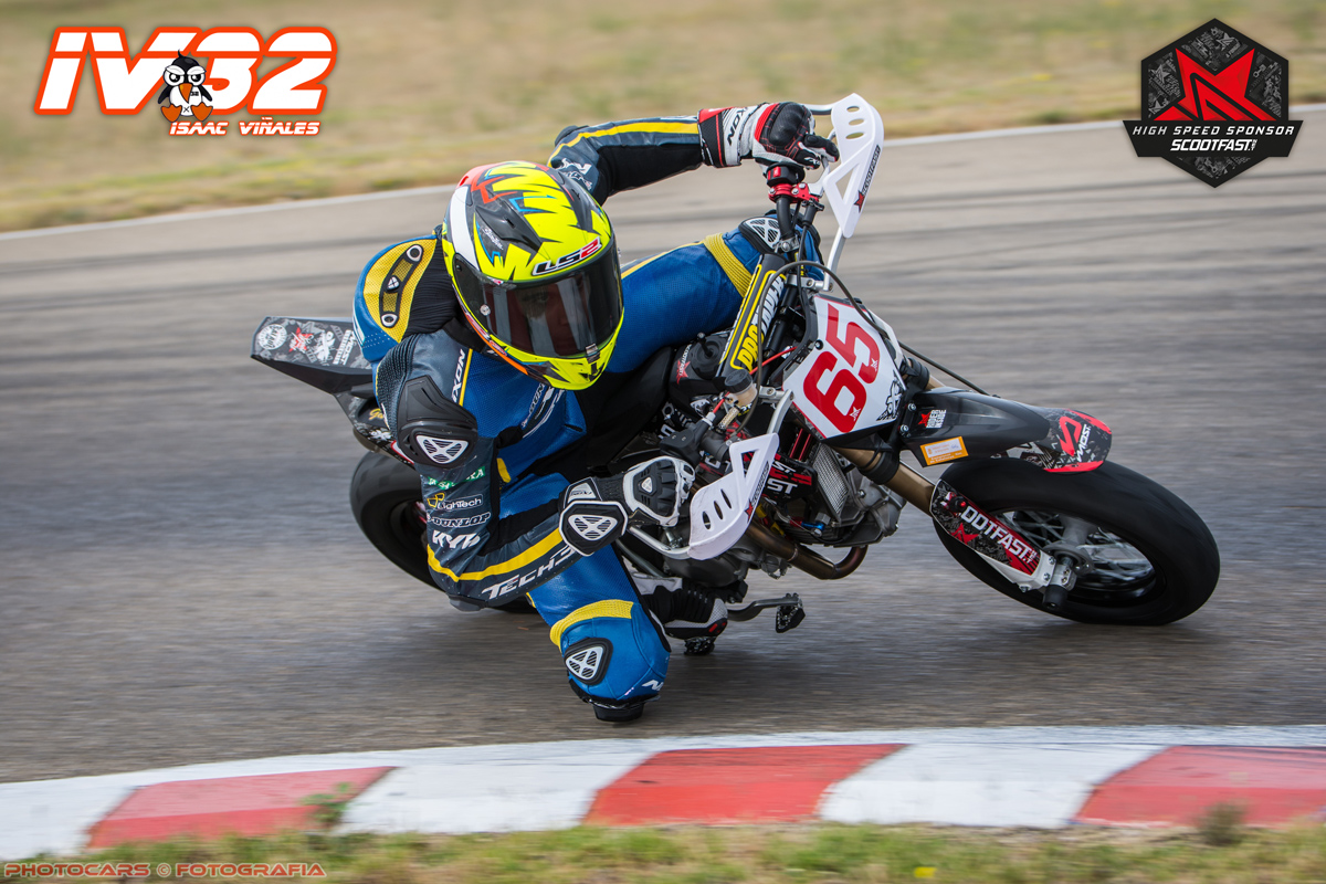 Photo d'action de Vinales sur le pitbike scootfast